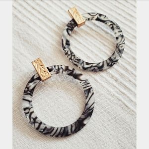 Jewelry - Tortuga collection// black and white earrings